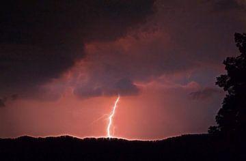 Lightning van Caroline Lichthart