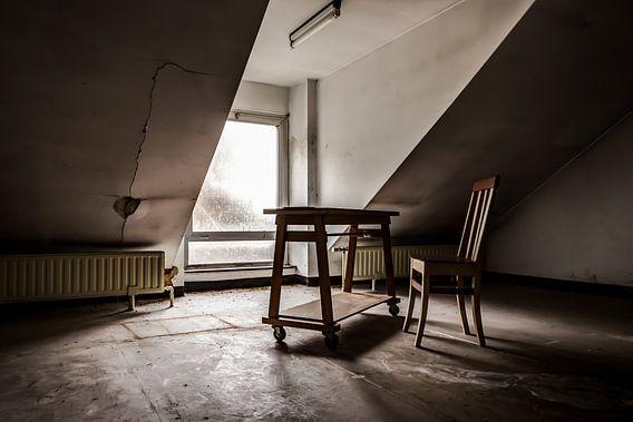 Lege stoel van Sven van der Kooi