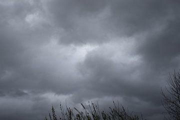 Bedrohliche Wolken von Geert Naessens