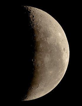 Onze maan - maanfase - wassende maan van Max Steinwald