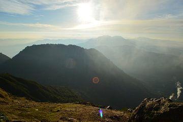 Zonsopgang in de bergen van Esther Kruik