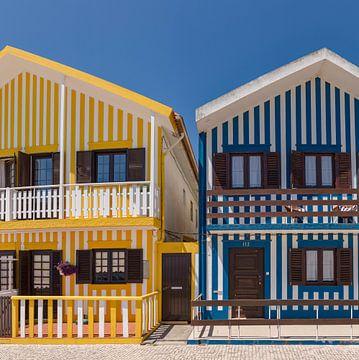Typische bunte Häuser, Costa Nova, Aveiro, Beira Litoral, Portugal von Rene van der Meer