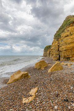 Normandie France plage de galets Longues-sur-Mer sur