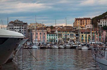 Port de Cannes dans le sud de la France sur Anouschka Hendriks