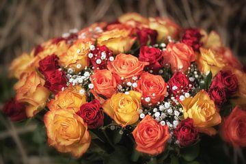 Vrolijk boeket rozen van Nicc Koch