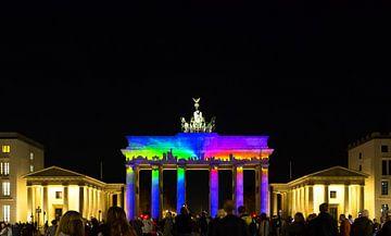 Brandenburger Tor mit Skyline-Projektion von Frank Herrmann