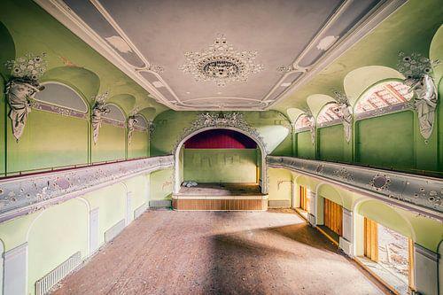 Theater of the angels van Michael Schwan