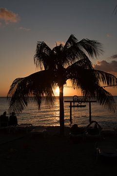 Curacao sunset van Gertjan Hesselink