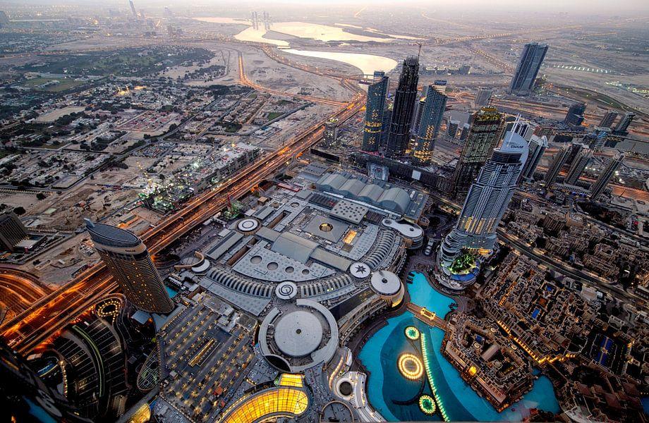Dubai Mall van bovenaf van Rene Siebring