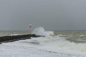 Storm aan zee van Ans Bastiaanssen