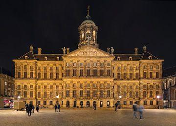 Koninklijk Paleis, Amsterdam Dam 's nachts. van Tony Vingerhoets