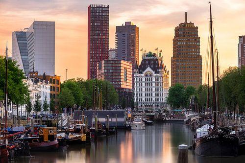 Wittehuis Rotterdam met skyline van