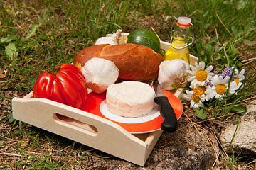 Picknick met brood en kaas van Ivonne Wierink