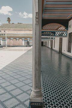 Marokkanischer Innenhof eines großen Palastes von Sophia Eerden