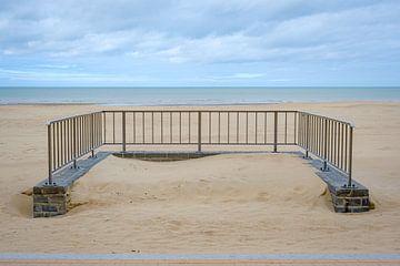 Hek op strand van Johan Vanbockryck