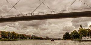 Hoge Brug bij Maastricht vanaf het water