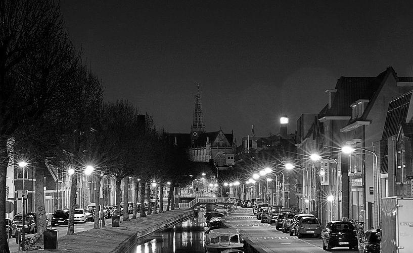 Brouwersvaart @ night in Black & White (2017) van Eric Oudendijk