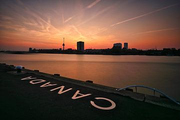 Skyline Rotterdam - Euromast sur Fotografie Ploeg