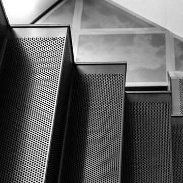 Stalen trappenhuis 2. van Henri Boer Fotografie