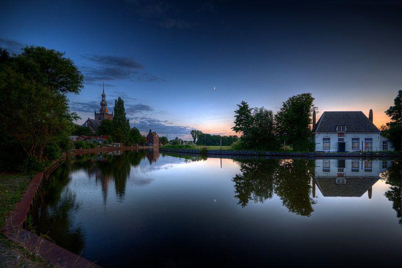 Maan over Kethelsekade / Veerhuis / Overschie van Rob de Voogd / zzapback