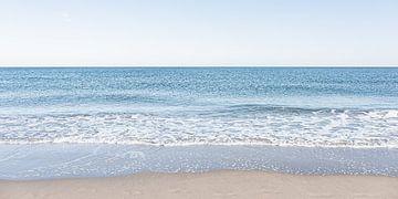 Noordzee kust gefotografeerd vanuit Scheveningen van MICHEL WETTSTEIN