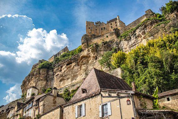 Het kasteel van Beynac-et-Cazenac in de Dordogne van Frankrijk Puur