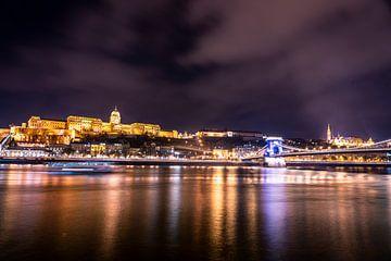 Budapest at night - Donau verlicht - Hongarije van John Ozguc