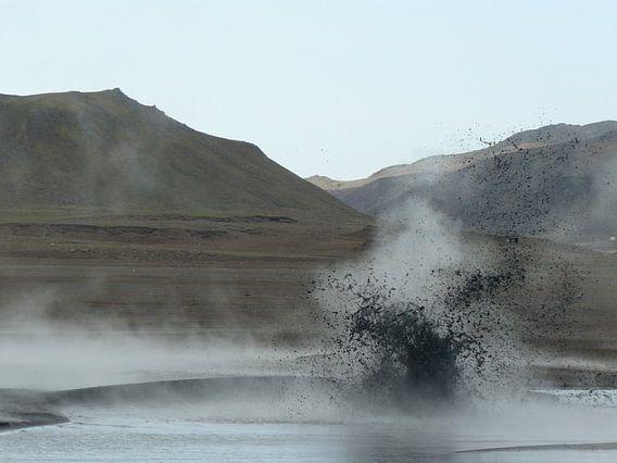 exploding lake