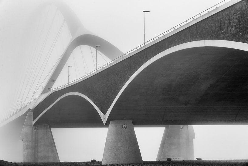 Detail van de brugconstructie van de De Oversteek van Eus Nieuwenhuizen
