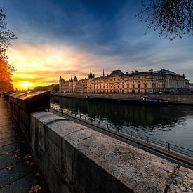 Joggen in Parijs bij zonsopgang van Rene Siebring