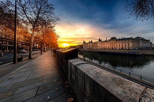 Joggen in Parijs bij zonsopgang van