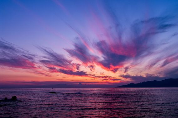 Mooie zonsondergang in Griekenland van Miranda van Hulst