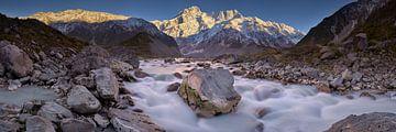 Mount Sefton & Zonsopgang van de Hookerrivier van Keith Wilson Photography