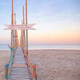 Houten steiger op Texel / Wooden jetty on Texel. von Justin Sinner Pictures ( Fotograaf op Texel)