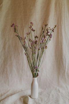 Stilleven gedroogde bloemen van Diewke Eerdekens