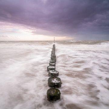 storm aan de kust van Westkapelle van Rob Bout