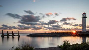 Hafen Hellevoetsluis mit Leuchtturm von Marjolein van Middelkoop