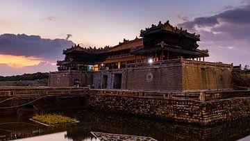 Het keizerlijk paleis van Hue in Vietnam van Roland Brack