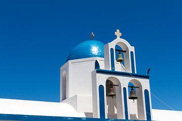 Santorini Kirche Kuppel und Kirchenglocken von Erwin Blekkenhorst