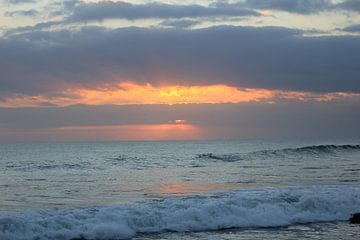 Indonesië: Zonsondergang 9 von Raoul van de Weg