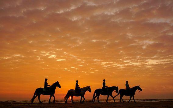 Paarden en hun ruiters  van Dirk van Egmond