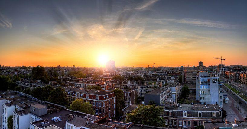 Amsterdam sunset skyline van Dennis van de Water