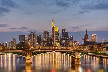 Frankfurt Skyline sur Michael Valjak