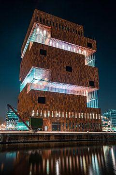 Nachtaufnahme des kultigen MAS (Museum aan de Stroom) in Antwerpen von Daan Duvillier