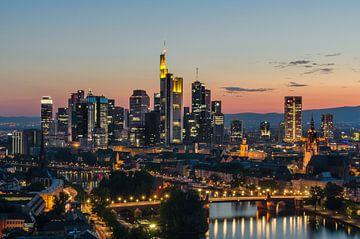 Skyline van Frankfurt van Robin Oelschlegel