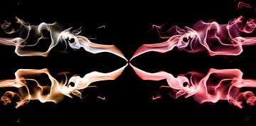 Fantasie im Rauch, bunter Rauch. von Gert Hilbink