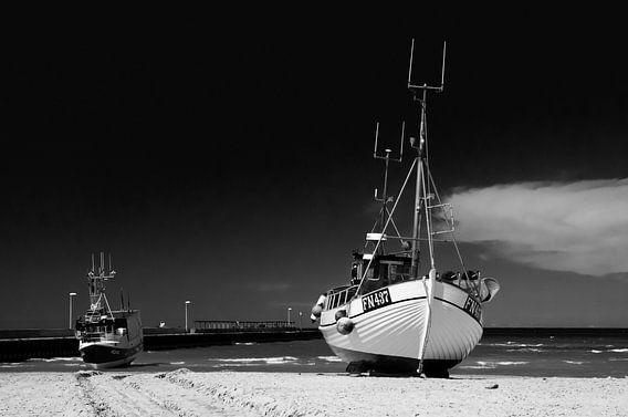 Down at the beach van Lex Schulte
