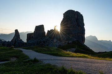 Sonnenaufgang Cinque Torri Cortina d'Ampezzo von Daniel Kogler