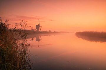 Morgenrot an der Broekmolen von Ilya Korzelius