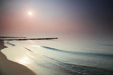 Kribben bij zonsondergang van Frank Herrmann